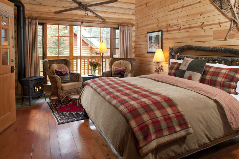 Canadian rockies lodges gallery cathedral mountain for Pictures of cabin bedrooms
