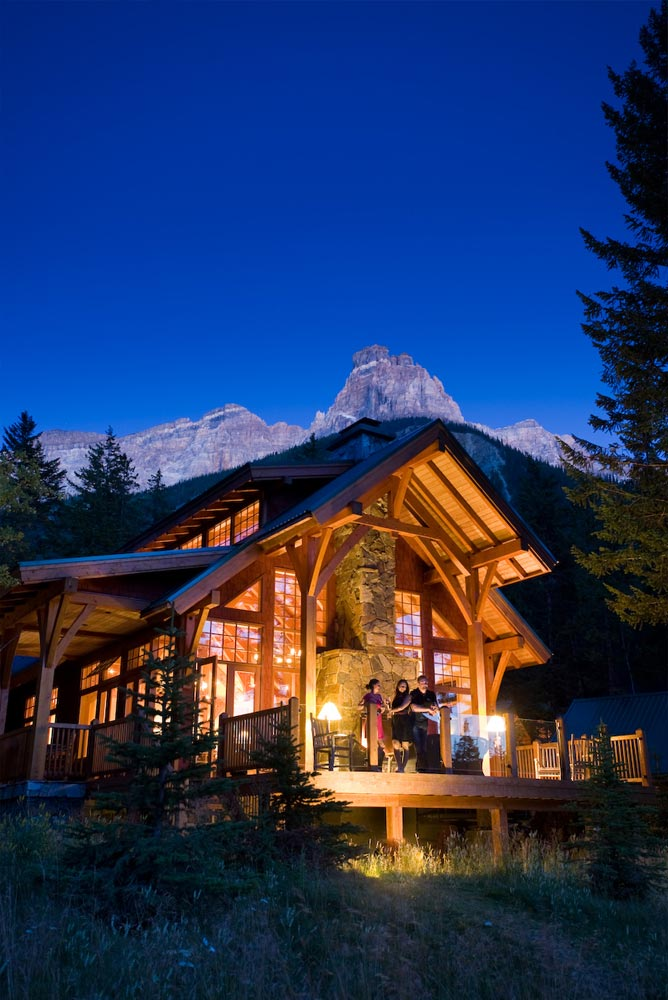 Gallery cathedral mountain lodge for Alpine lodge
